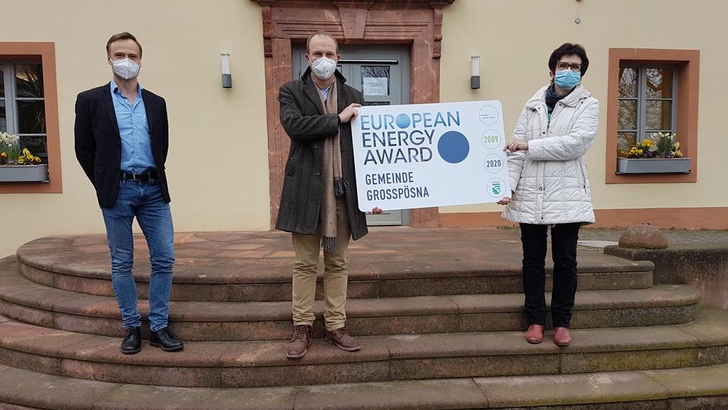 Auf dem Foto sind zu sehen: Dr. Werner Tilmann (Sächsische Energieagentur SAENA); Wolfram Günther Sächsischer Staatsminister für Energie, Klimaschutz, Umwelt und Landwirtschaft und Bürgermeisterin Dr. Gabriela Lantzsch